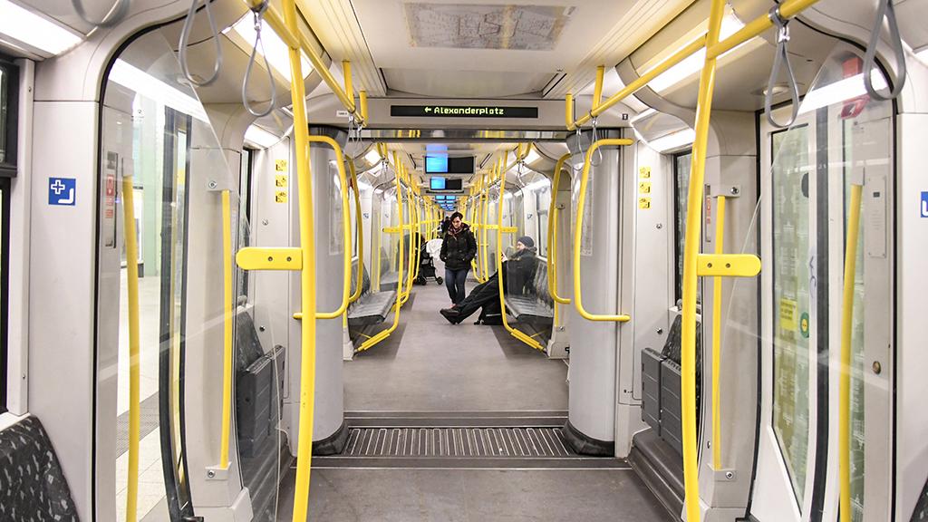 Wegen Corona: Bahnen fahren seltener