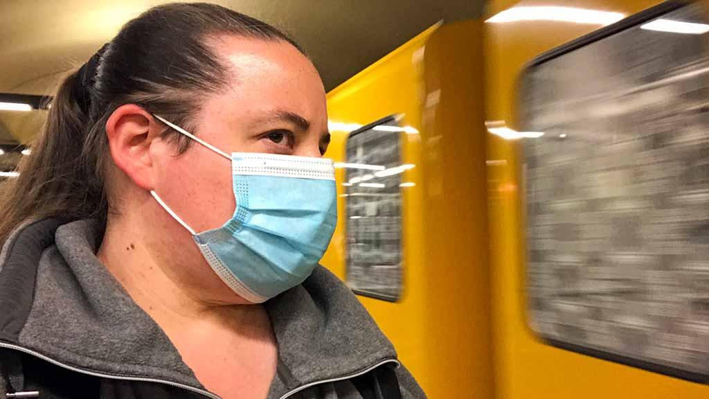 Maskenpflicht und Frühlingsgefühle: Berliner Alltag unter Corona