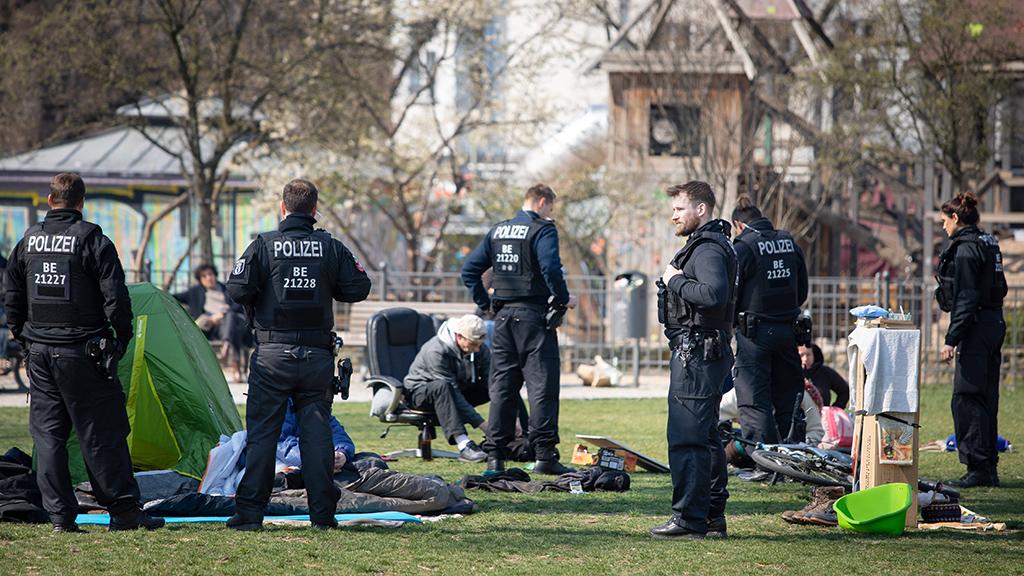 Corona-Regelungen missachtet: Polizei muss eingreifen