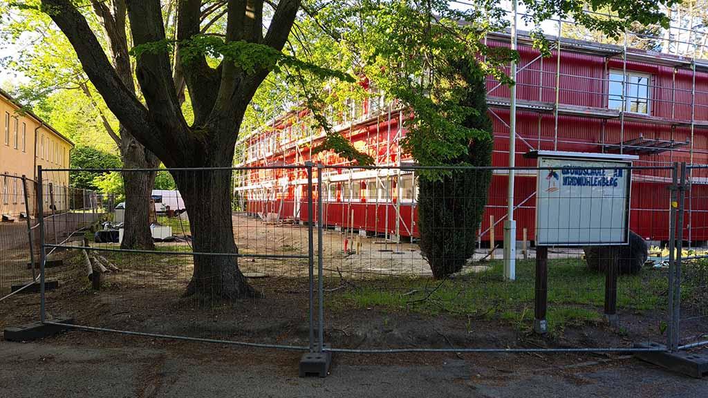 Berlin-Spandau: Grundschüler ziehen in einen Container