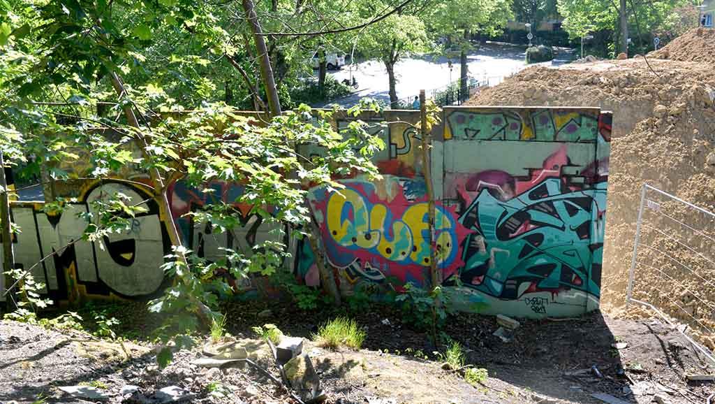 Berlin-Pankow: Mauerteil gefunden und gesichert