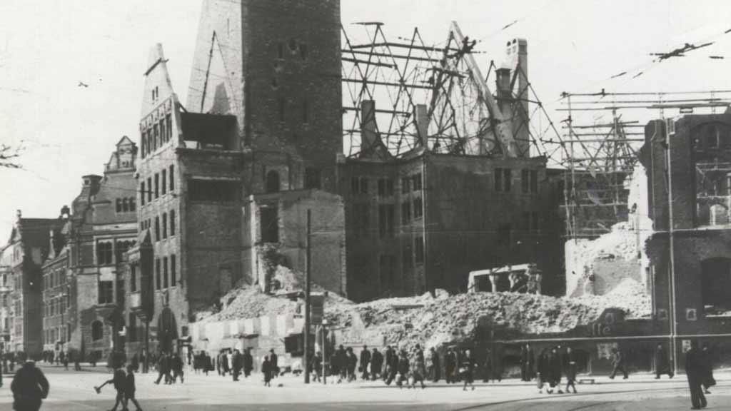 So erinnert Neukölln an das Ende des Nationalsozialismus