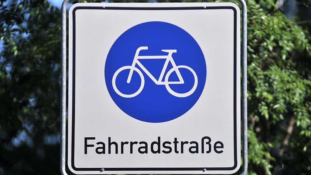 Neukölln: Weserstraße für Radler ausbauen