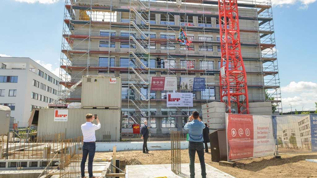 "Berlin-Adlershof: Komplex ""Am Oktogon"" nimmt Gestalt an"