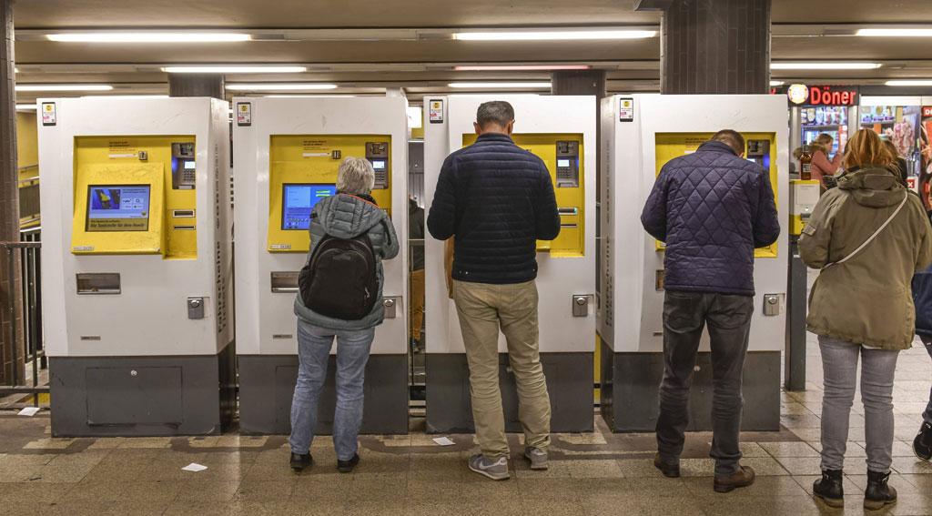 Berliner Nahverkehr: Umstrittenes Zwangsticket für Busse und Bahnen
