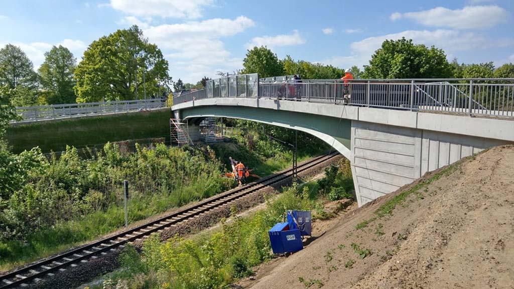 Berlin-Biesdorf: Der Ersatz für die alte Brücke am Waldbacher Weg ist fertig