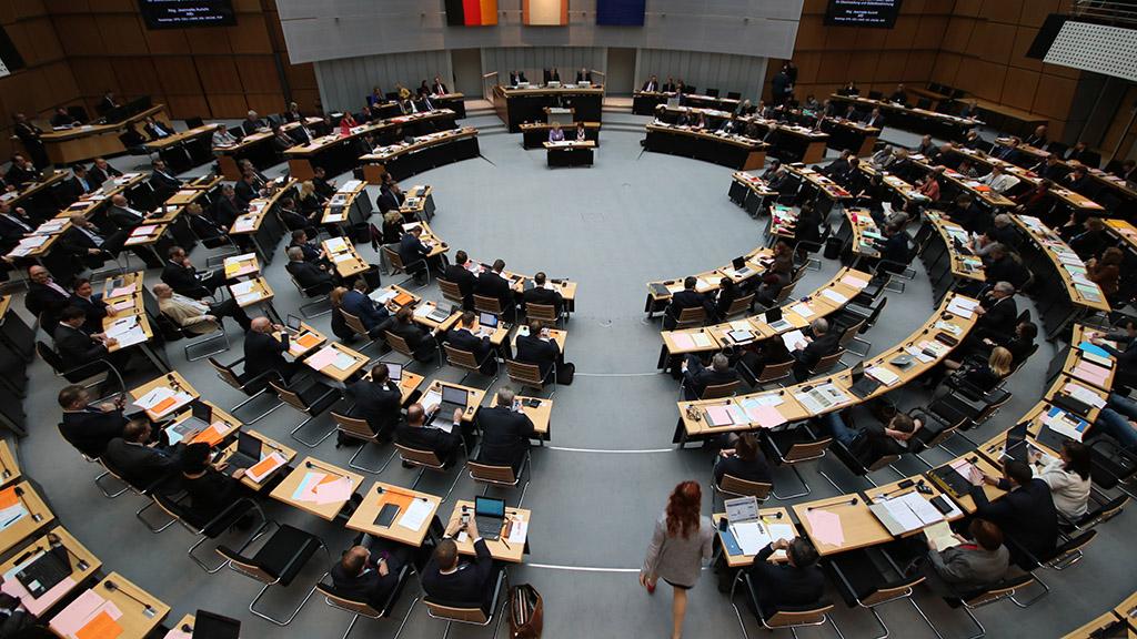 Plenarsaal Abgeordnetenhaus von Berlin Web