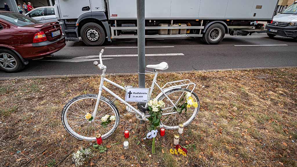 Radfahrerin-starb-an-Lindauer-Allee