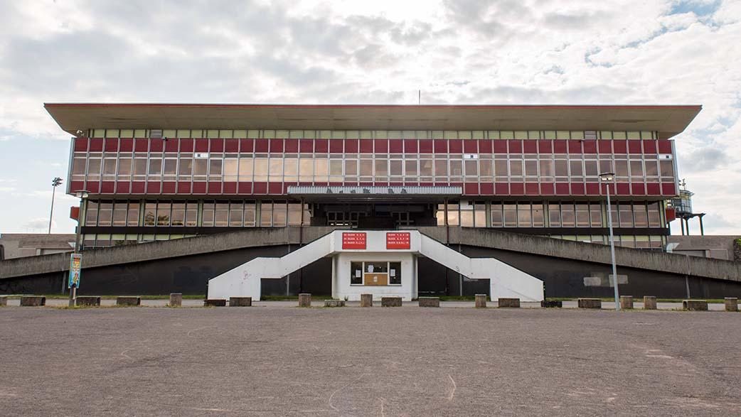 Berliner Jahn-Sportpark: Seltsame Koalition für Abriss