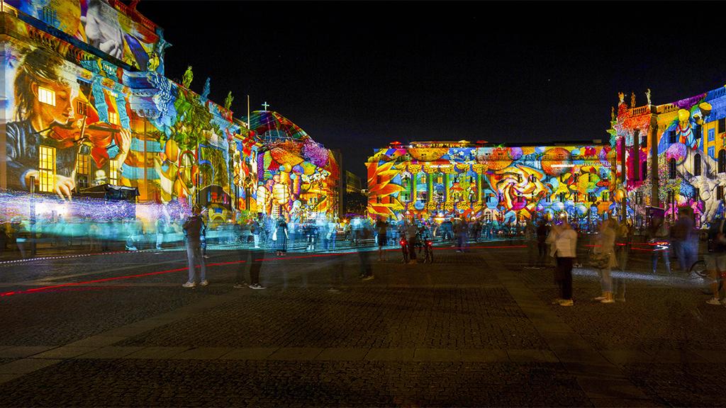 Lichterfest-Saison geht in die nächste Runde: Berlins Fassaden leuchten wieder