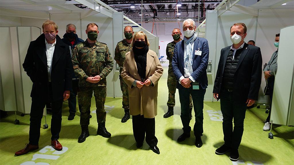 Berlin-Mitte: Corona-Einsatzzentrale auf Messegelände