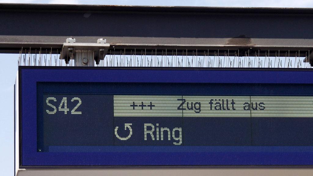 Nach Kabelbrand: Berliner Ringbahn noch immer unterbrochen