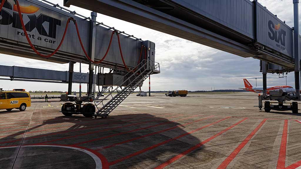 BER-Eröffnung: Airport zwischen Abflug und Pleite