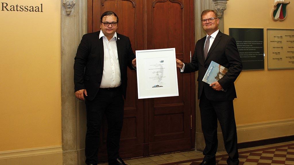 Bezirksamt Lichtenberg erhält Preis für vorbildliche Fortbildungen