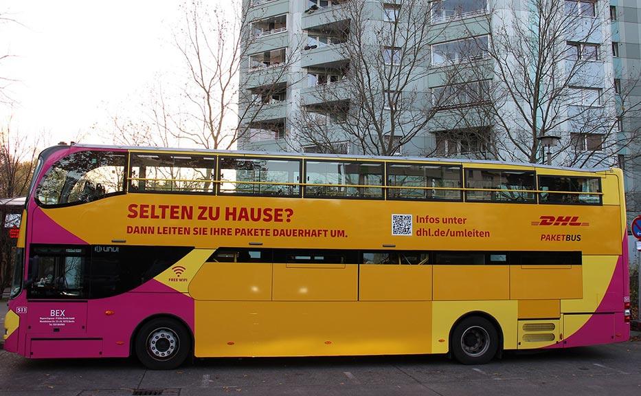 Berlin-Lichtenberg: DHL stellt zwei Paketbusse mit Abhol-Shops bereit
