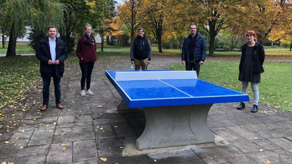 Berlin-Lichtenberg: Apotheken spendieren eine Tischtennisplatte