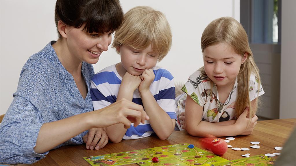 Spieletipp für Familien: Mit Speedy Roll durch trübe Herbsttage