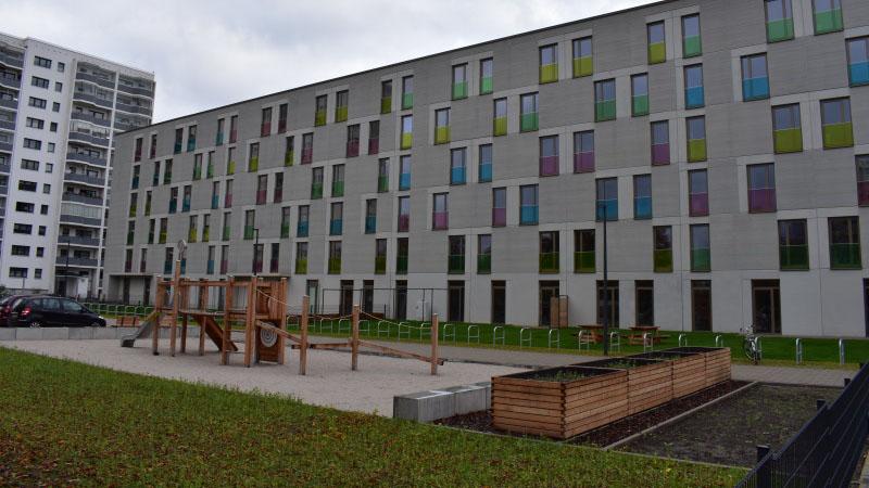 Berlin-Marzahn: Unterkunft für Flüchtlinge am Murtzaner Ring betriebsbereit