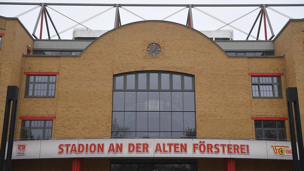 Berlin-Köpenick: Erst der Bahnhof, dann das Stadion…