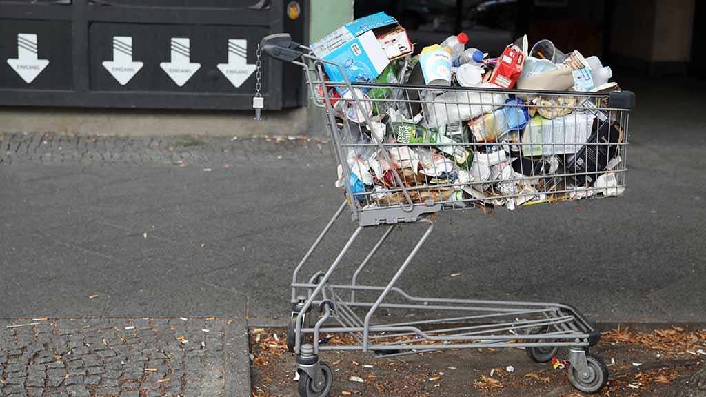 Berlin-Reinickendorf: Bezirk geht gegen Trödelhändler und Müll vor