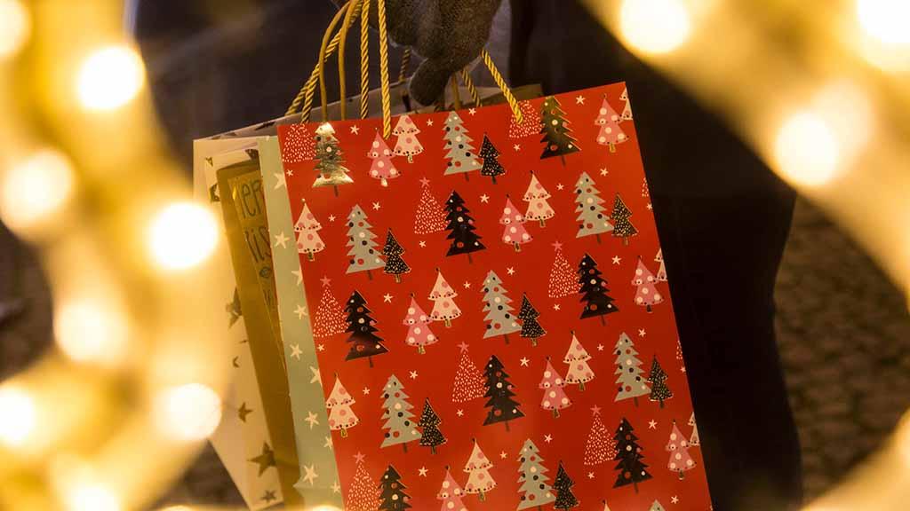 Berlin-Zehlendorf: Weihnachtstüten für Bedürftige