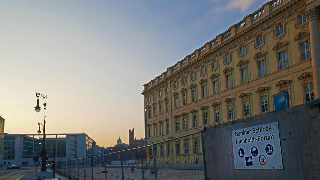 Berlin-Mitte: Humboldt Forum eröffnet mit digitalem Live-Programm
