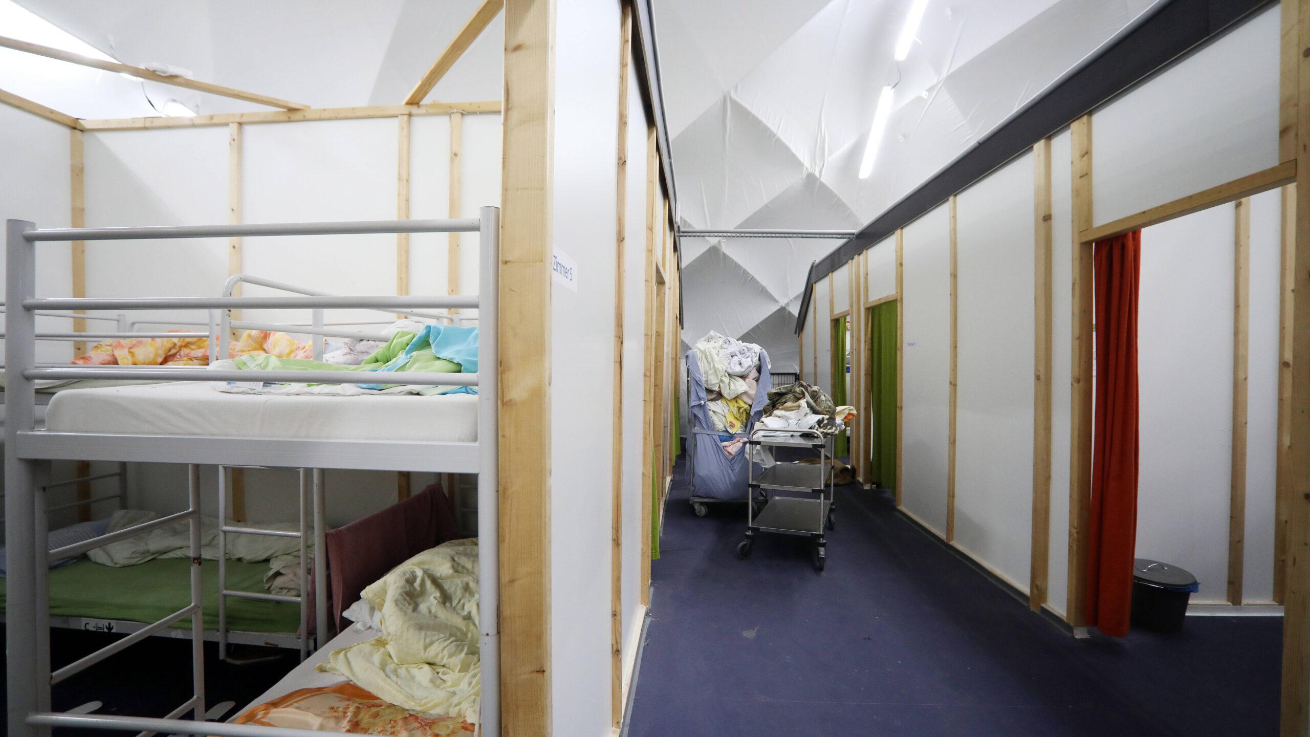Friedrichshain-Kreuzberg: Corona-Ausbruch in Notunterkunft für Obdachlose