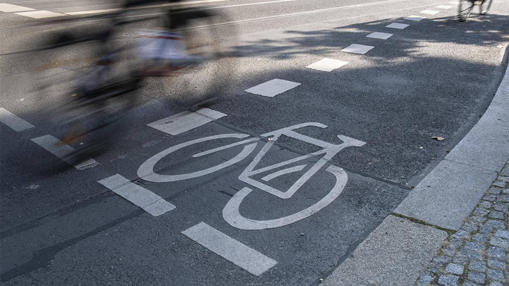 Steglitz-Zehlendorf: Mehr Sicherheit für Radfahrer an der Clayallee