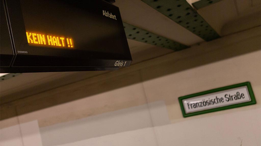 Französische Straße in Berlin-Mitte: Showroom statt Geisterbahnhof