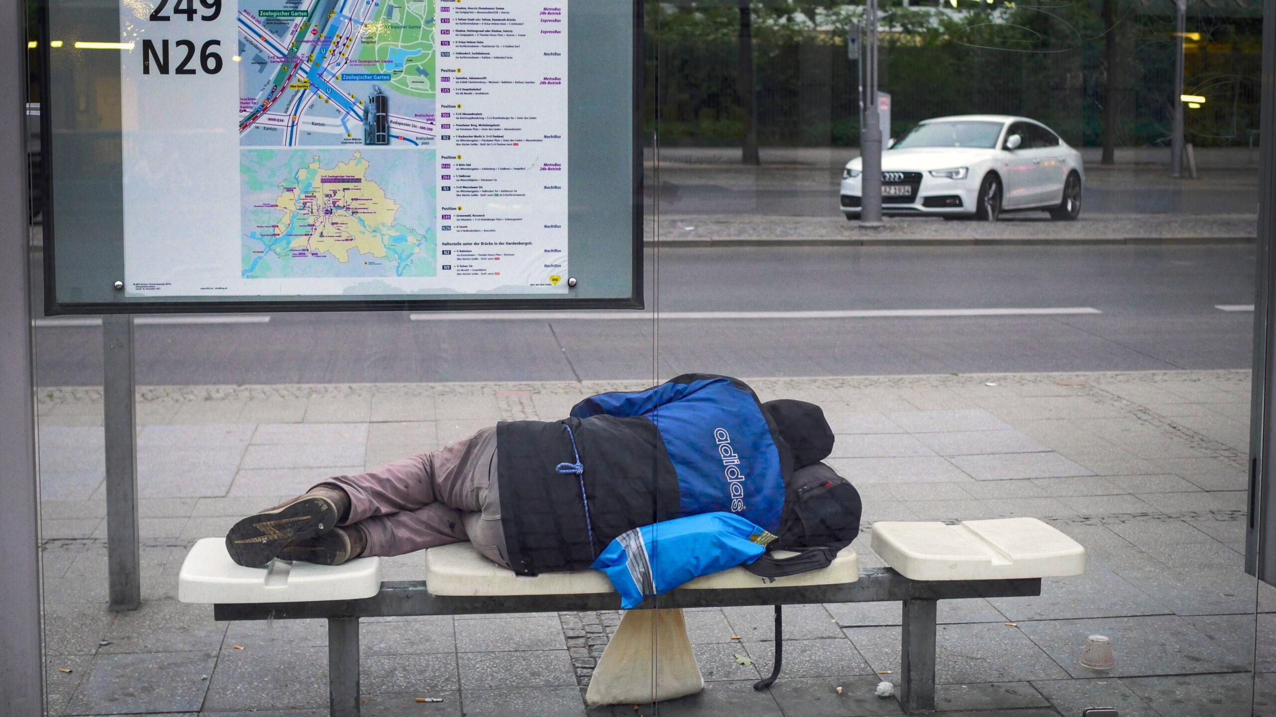 """Obdachlos in der Pandemie: """"Die Kälte ist überall"""""""