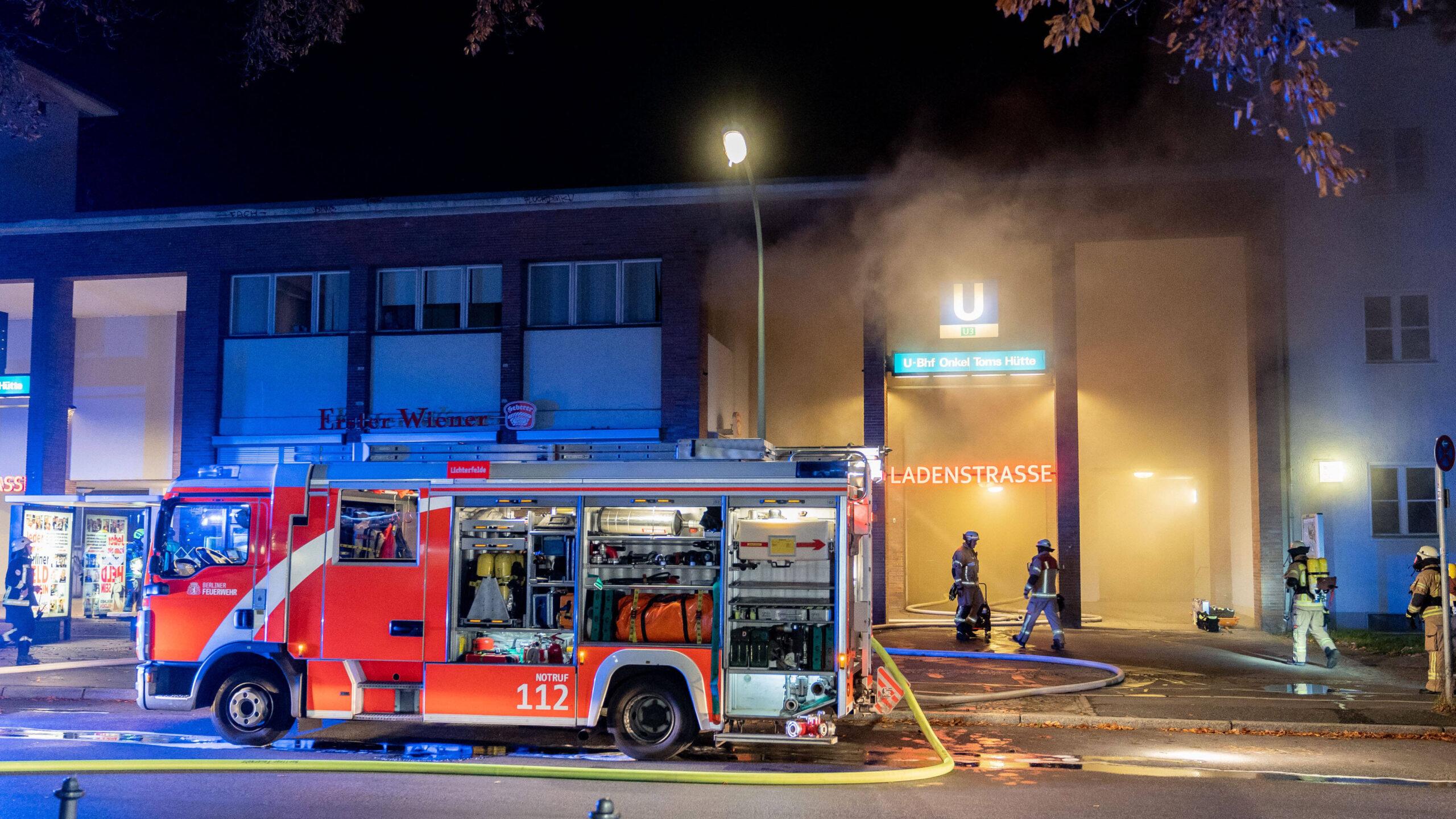 """Brand am U-Bahnhof Onkel Toms Hütte: Hilfe für die """"Ladenstraße"""""""