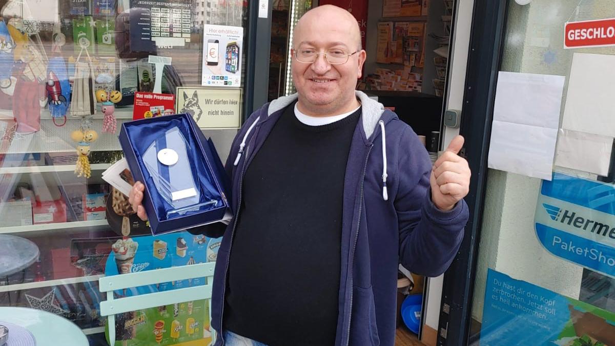 Lichtenrade: Kioskbetreiber erhält Menschlichkeits-Award