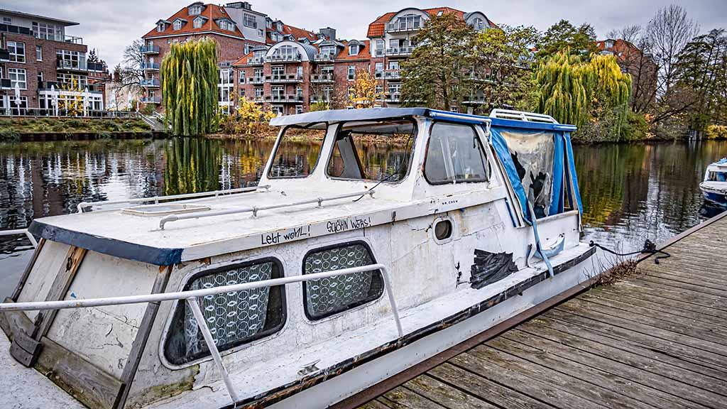 Berlin-Spandau: Friedhof für Schrottboote im Nordhafen