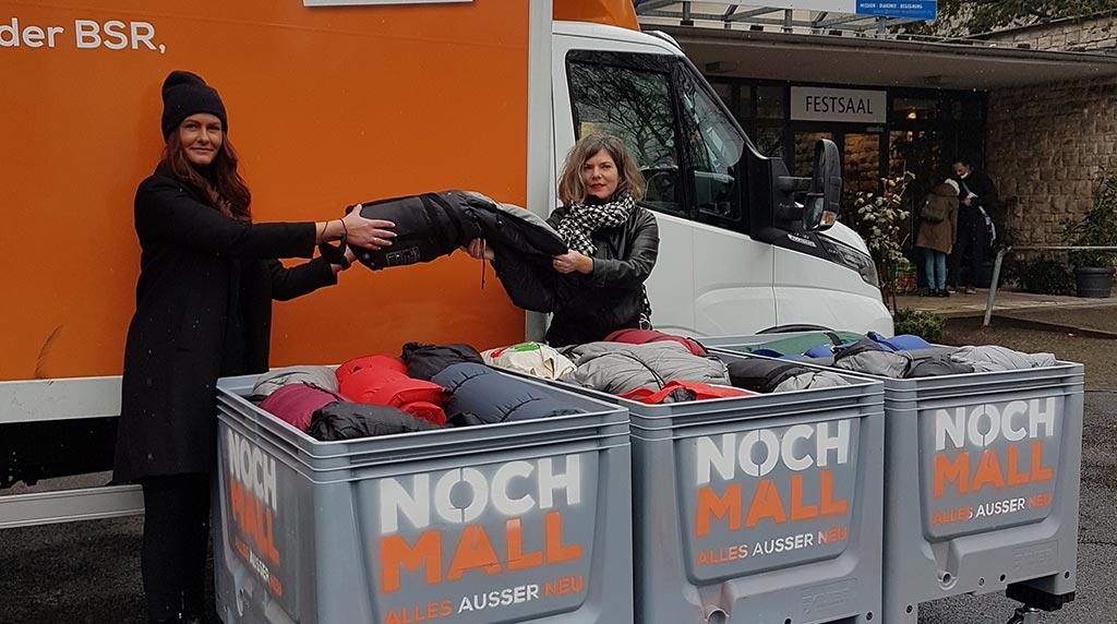 BSR spendet Berliner Stadtmission 55 Schlafsäcke