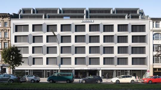Kreuzberger Lichtfabrik mit neuem Highlight