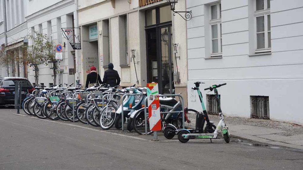 Parkverbote für Leihräder und Roller in Berlin