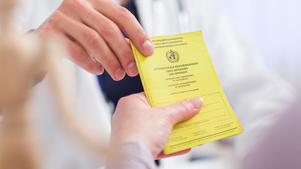 Nicht nur in der Pandemie: Impfpass immer gut aufbewahren