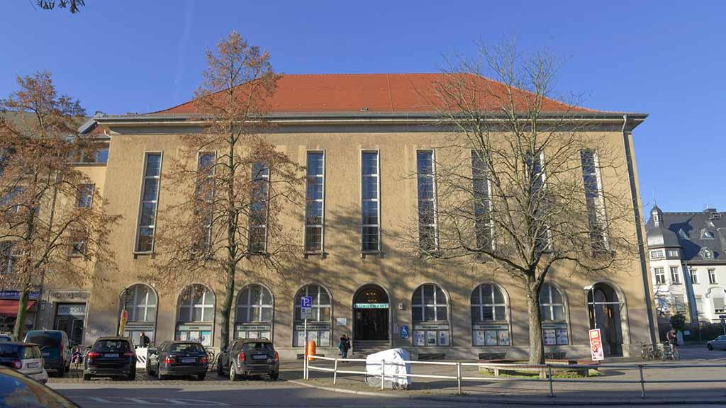 Berlin-Zehlendorf: Neues Rathaus soll größer und besser werden