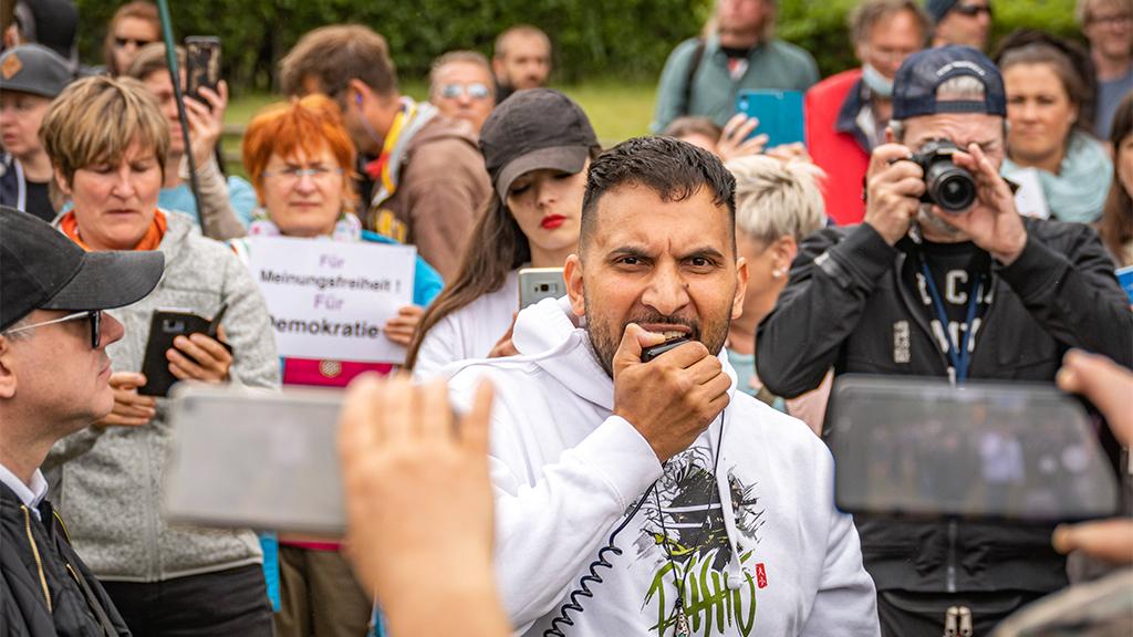 Berlin-Charlottenburg: Entzug von Hildmanns Gaststättenerlaubnis gefordert