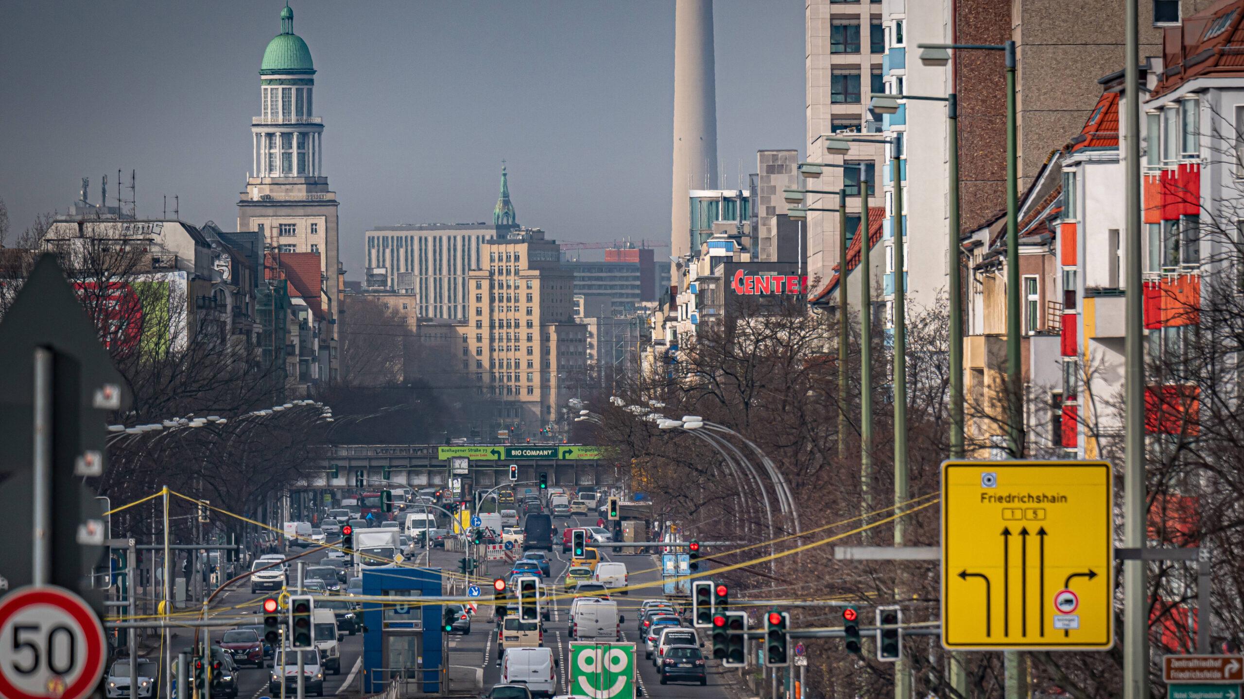 Berlin: In der Südlichen Friedrichstadt und der Frankfurter Allee Nord wird länger saniert