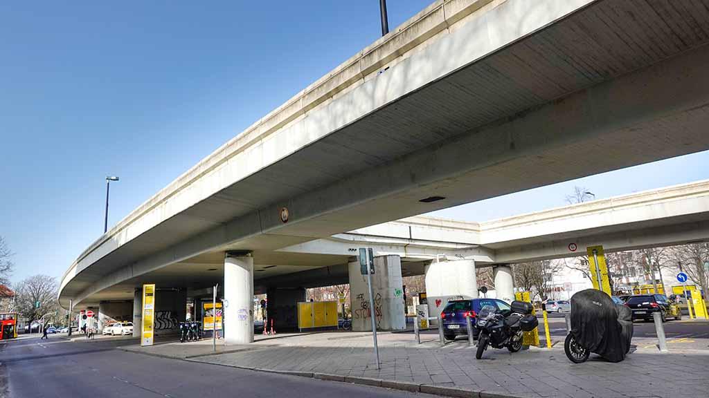 Berliner Südwesten: Mehrheit für Brückenabriss am Breitenbachplatz
