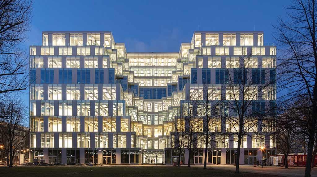 Berlin-Friedrichshain: Vom HO-Warenhaus zum Next-Generation-Office