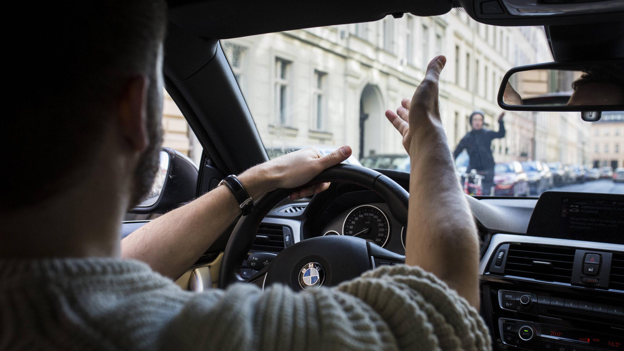 Aggression Tempelhof Radfahrer Autofahrer