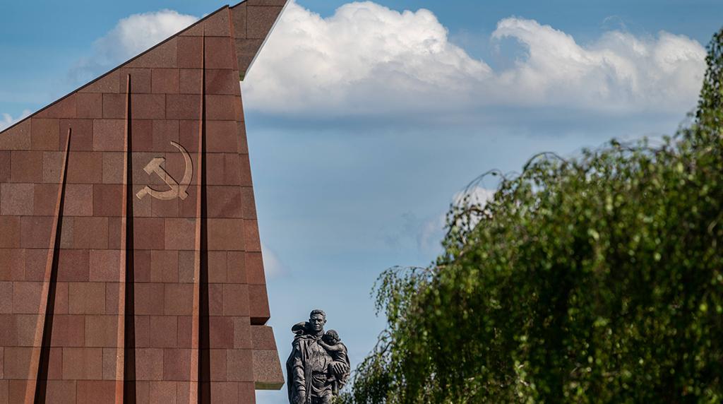 Treptower Park: Sowjetisches Ehrenmal wird erst im Herbst fertig