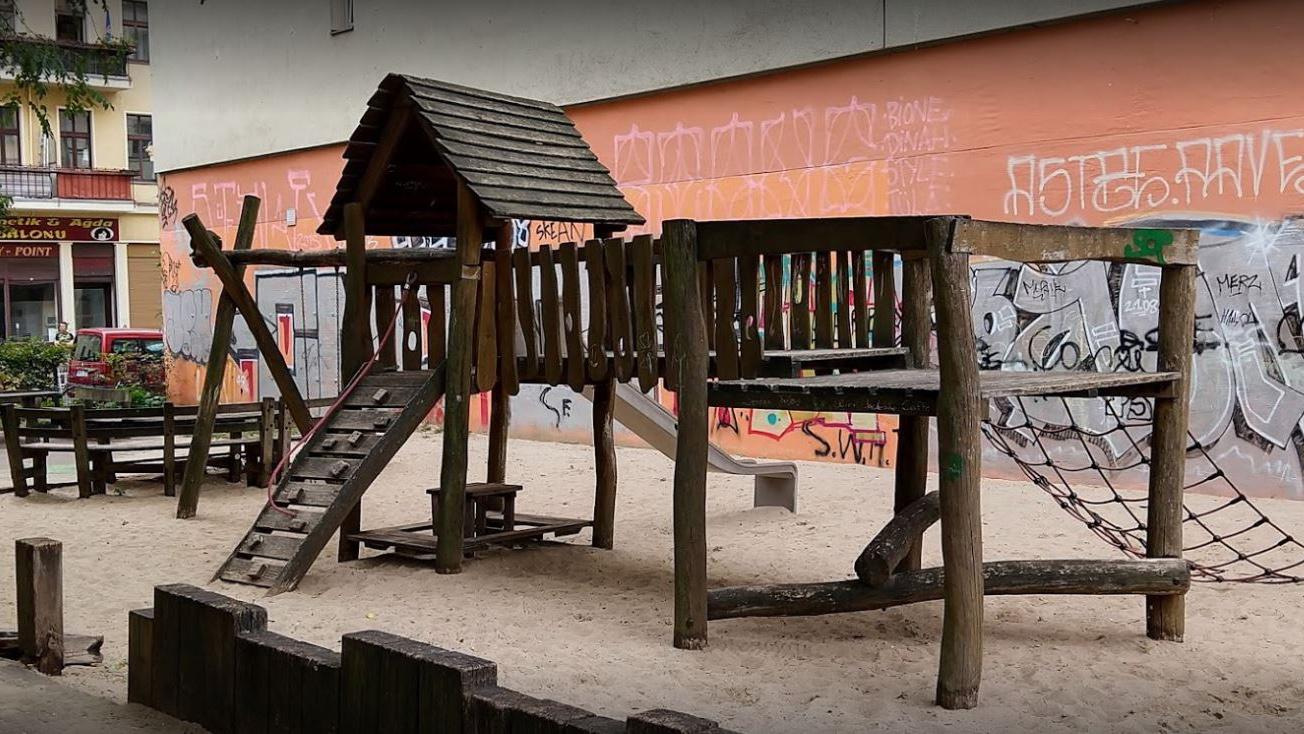 Berlin Kreuzberg: Zwei neue Spielplätze an der Luckauer Straße