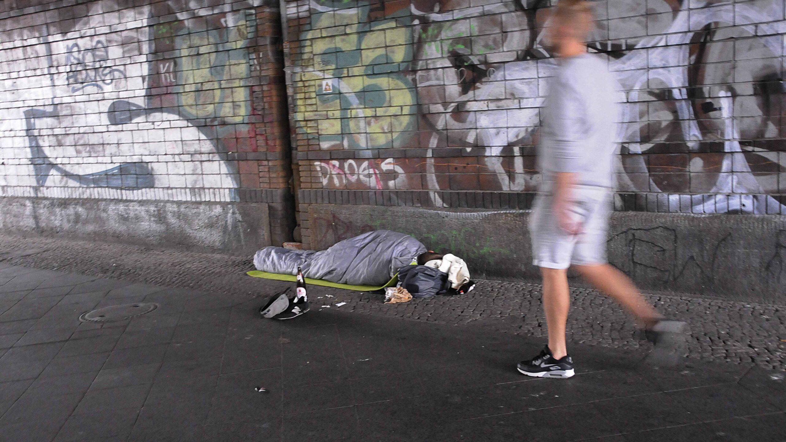 Obdachloser an der Frankfurter Allee.