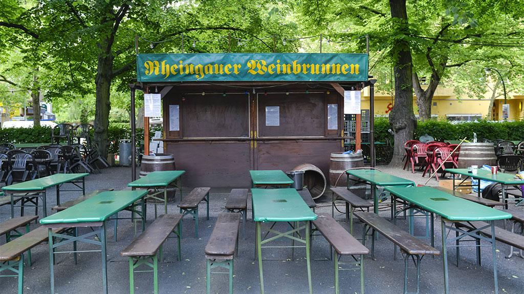 Rüdesheimer Platz: Der Weinbrunnen sprudelt wieder