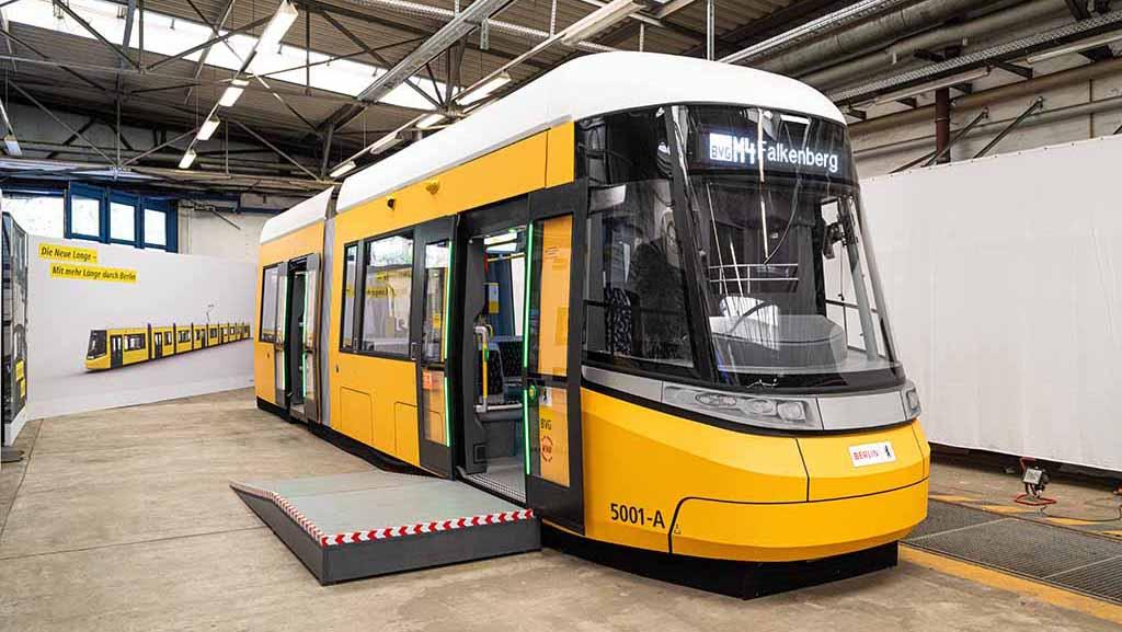 Neue Straßenbahn mit neuem Design