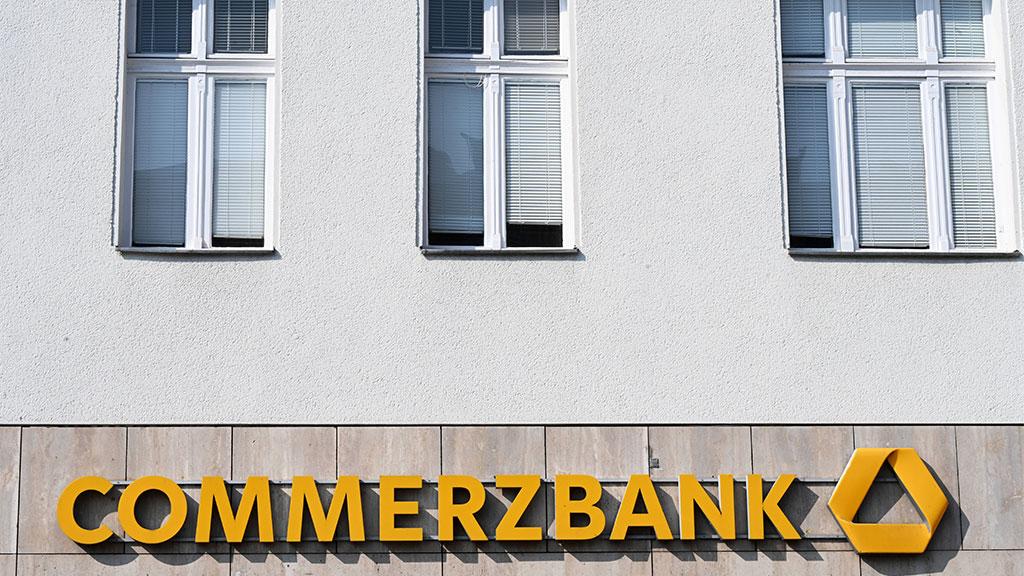 Charlottenburg-Wilmersdorf: Einsatz gegen das Bankensterben