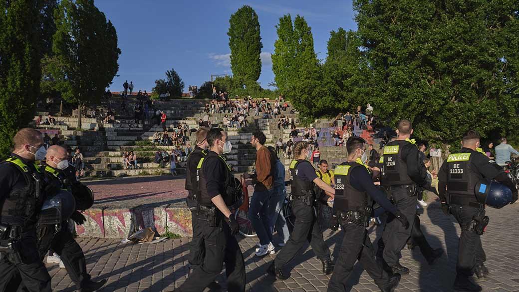 Mauerpark: Poller gegen Terroranschläge